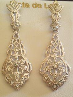Pendientes de Plata radiado, recomendados por Joyas Maicci para lucirlos de novia o para una fiesta