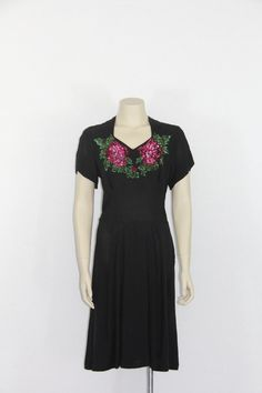 1940s Black Fit and Flare Dress Sleeveless Lace Rayon Crepe Shelf Bust Small 40s Mid Century
