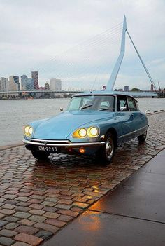 Citroën DS (Rotterdam, en face d'Erasmusbrug) – erasmus Retro Cars, Vintage Cars, Automobile, Citroen Car, Rotterdam, Old Cars, Concept Cars, Cars And Motorcycles, Dream Cars