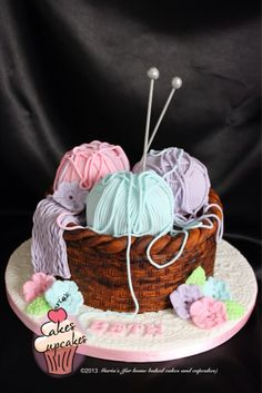 Knitting basket cake – This one is for my friend Elaine! Cupcakes, Cupcake Cakes, Shoe Cakes, Cake Wrecks, Unique Cakes, Creative Cakes, Knitting Cake, Sewing Cake, Yarn Cake
