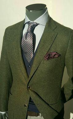 Weird combination but I like it. #suit #style #fashion #mensfashion