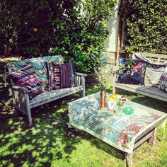 The lovelies of really know how to decorate a party. Amazing velvet pillows + silk scarves by the brand. Ocean Sunset, California Dreamin', Velvet Pillows, Johnny Was, Silk Scarves, Outdoor Furniture, Outdoor Decor, Balcony, Terrace