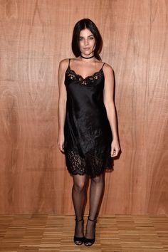 Pin for Later: Ces Célébrités Ont Gardé Leurs Meilleurs Looks Pour la Fashion Week de Paris Julia Restoin Roitfeld Au défilé Givenchy.