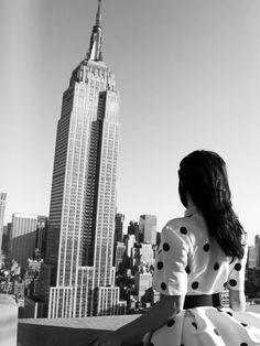 make plans to meet someone on top of the empire state building