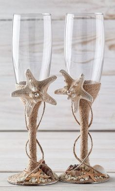 Beach Wedding Flutes Bride and Groom Glasses with Starfish and Seashells