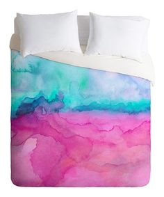With a bold design by Jacqueline Maldonado printed on soft polyester microfiber, this delightful duvet cover instantly brightens décor. A hidden zipper closure keeps comforters in place to ensure warm and cozy sleep.