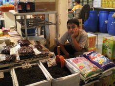 Sprzedawca  w #Kamechli  #Syria w 2007r. fot. E.Kowalkiewicz-Hussein, #Uchodźcymilewidziani #refugesswelcome Syria, Countries, War