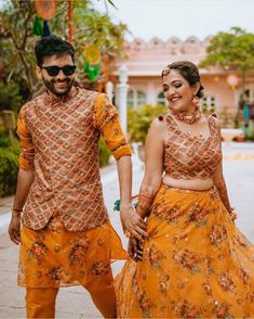 Couple Wedding Dress, Wedding Dresses Men Indian, Indian Bridal Outfits, Indian Fashion Dresses, Indian Designer Outfits, Skirt Fashion, Designer Dresses, Mehendi Outfits, Sangeet Outfit