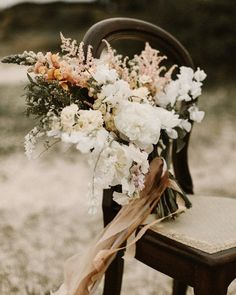 Bohemian bridal bouquet inspired by earth tones. Flowers and styling - @corcortezfloral