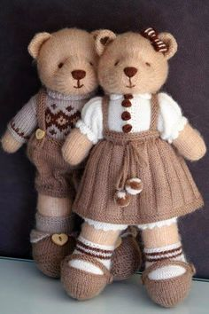 Knitted teddy bear Handmade toys by Vasilisa Romanova. Knitted teddy bear Handmade toys by Vasilisa Romanova. Knitting Bear, Teddy Bear Knitting Pattern, Knitted Doll Patterns, Animal Knitting Patterns, Christmas Knitting Patterns, Knitted Dolls, Crochet Dolls, Knitting Terms, Knitted Bunnies
