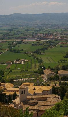 Assisi, Umbrië, www. Places In Italy, Places In Europe, Places To Visit, Umbria Italy, Sicily Italy, Siena Toscana, Wonderful Places, Beautiful Places, Northern Italy
