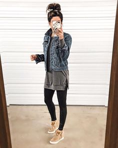 - the sister studio jean jacket outfits, legging outfits, athleisure outfit Legging Outfits, Jean Jacket Outfits, Athleisure Outfits, Sporty Outfits, Mode Outfits, Leggings Fashion, Fall Outfits, Fashion Outfits, Fashion Clothes