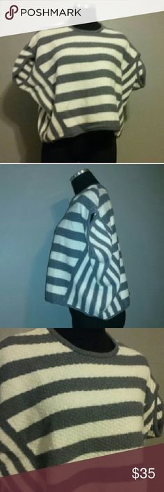 """Free People Sweater Bat Sleeve Striped Misses Xs Free People Sweater Bat Sleeve Striped Gray Cream Misses XS  Very good, clean condition. Super soft acrylic/wool blend. Super cute!?  Approx measurements laid flat: chest 26"""", length 19"""". Free People Sweaters Shrugs & Ponchos"""