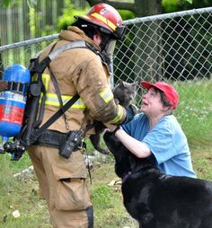This firefighter risked his life to save one woman's beloved cat. Wow, just incredible!  ♥  Stunning, classic jewelry: www.bluedivadesigns.com
