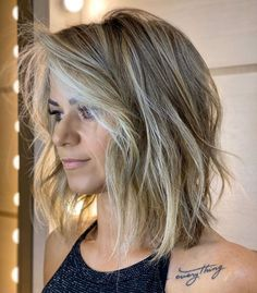 40 Newest Haircut Ideas and Haircut Trends for 2020 - Hair Adviser One Length Haircuts, Thin Hair Haircuts, Round Face Haircuts, Cool Haircuts, Bob Hairstyles, Short To Medium Haircuts, Pixie Haircuts, Braided Hairstyles, Wedding Hairstyles