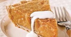 La bonne tarte traditionnelle au sirop d'érable... Pas besoin d'attendre la SAISON DES SUCRES pour en profiter! Je vous offre la MEILLEURE! Easy Desserts, Delicious Desserts, Pie Recipes, Cooking Recipes, Recipies, Cooking Cream, Bon Dessert, Dessert Simple, Canadian Food