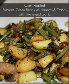 Oven-baked potatoes, green beans, mushrooms and onions with thyme and garlic . - Oven-baked potatoes, green beans, mushrooms and onions with thyme and garlic - Veggie Side Dishes, Vegetable Sides, Green Vegetable Recipes, Fresh Green Bean Recipes, Veggie Food, Green Veggies, Vegetable Prep, Potato Dishes, Recipes With Green Onions