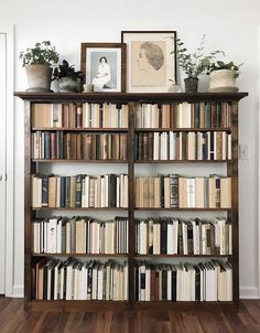 Trendy home library scandinavian bookcases 70 ideas Design Apartment, My New Room, Style At Home, My Dream Home, Interior Inspiration, Living Spaces, Sweet Home, New Homes, Room Decor