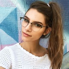 @millsie0131 wears Banks via Instagram Flat Top Sunglasses, Cute Sunglasses, Sunglasses Women, Glasses For Round Faces, Girls With Glasses, Banks, Womens Fashion Online, Latest Fashion For Women, Cool Glasses