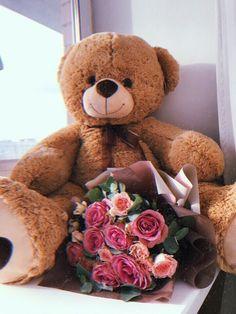 Huge Teddy Bears, Giant Teddy Bear, Valentines Day Teddy Bear, Valentine Gifts, Valentines Day Goals, Teddy Bear Gifts, Teddy Bear Pictures, Accessoires Iphone, Valentines Flowers