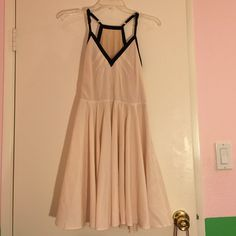 Beautiful summer dress Beautiful summer dress! Zipper side. A line dress. Brand new without tags Dresses Midi