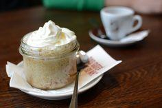 Pixi mit Milch | Burger-Test: OMAKuchen mit Espresso im Burgermasta in Wien   Mehr: http://www.mitmilch.at/pixi