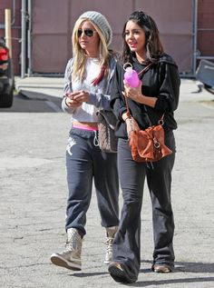 Ashley Tisdale Photo - Ashley Tisdale And Vanessa Hudgens Get Ready To Dance