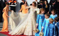 TROUWJURKEN VAN DE ROYALS Luxemburg, 20 oktober 2012: Stephanie de Lannoy (in Elie Saab) en prins Guillaume van Luxemburg