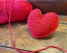 Crochet Flowers, Knitted Hats, Free Pattern, Knit Crochet, Knitting, Diy, Style, Nail Ideas, Hearts