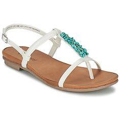 WULTHULA Weiss - Die #Sandale der Marke Bugatti in weiß ist sehr bequem und wird uns den gesamten Sommer begleiten! Kostenloser Versand bei Spartoo.de #Schuhe #damen #SandalettenDamen