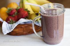 Berry Yogurt Smoothie Recipe with Baby Spinach, Oatmeal and Chia Seeds