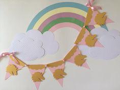 Banderín! #capacillos #toppers #piñata #fiesta #celebracion #bautizo #primeracomunion #boda #babyshower #detalles #decoracion #recuerdos #tarjeteriafina #hechoamano #unicornio #arcoiris #habladores