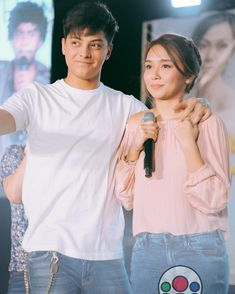 Being yours forever 😍💗💙💯 { 🌸 } Daniel Padilla, Kathryn Bernardo, Vans Outfit, Jadine, Sweet Couple, Queen Of Hearts, King Queen, Dj, Ruffle Blouse