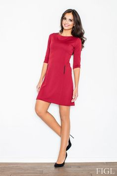 Bordowa sukienka w kształcie litery A