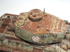 Almost impossible to see it is not real. Military Figures, Military Diorama, Tiger Tank, Model Tanks, Armored Fighting Vehicle, Chenille, Toy Soldiers, Model Building, Pictures To Paint