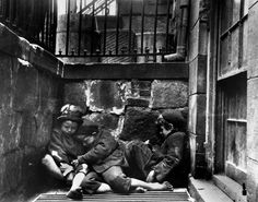 Childrens sleeping on Mulberry Street, ca.1890,( Jacob A. Riis, Museum of the City of New York)