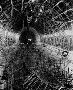 "USS Akron under construction in the Goodyear-Zeppelin Corporation ""air dock"" hangar at Akron, Ohio, Old Pictures, Old Photos, Vintage Photos, Photos Rares, Photo Deco, Photo Grid, Le Far West, Dieselpunk, Steampunk Airship"
