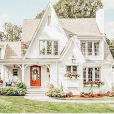most popular dream house exterior design ideas 00024 Cute House, My House, Dream House Exterior, House Goals, Home Fashion, My Dream Home, Dream Homes, Dream Life, Home Remodeling