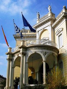 This is my Greece | The Stathatos Mansion, work of the Bavarian architect Ernst Ziller, is one of the most important extant examples of Neoclassical architecture in nineteenth-century Athens. It houses temporary exhibitions and the offices of the museum of Cycladic Art.