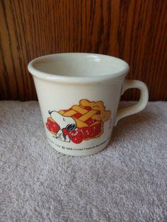 Vintage Snoopy Coffee Mug 1958 Taylor International USA Cherry pie Snoopy Collectible