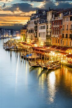 Venice city guide - Anne Hanley's expert guide to Venice, a city that never loses its capacity to enchant.