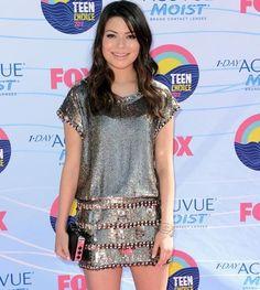 2012 Teen Choice Awards red carpet arrival pics: Miranda Cosgrove