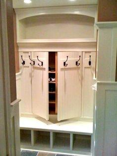 Small locker organization diy storage ideas ideas for 2019 Shoe Storage Cupboard, Mudroom Storage Bench, Mudroom Laundry Room, Entryway Storage, Bench With Storage, Small Storage, Hidden Storage, Closet Storage, Mudroom Benches