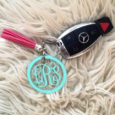 Mason jar keychain, monogram tassel keychain, southern monogrammed... ❤ liked on Polyvore featuring accessories, acrylic key chains, fob key chain, monogram key chain, ring key chain and monogram key ring