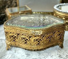 Vintage gold plated filigree jewelry box aqua velvet for Adler s jewelry canal street