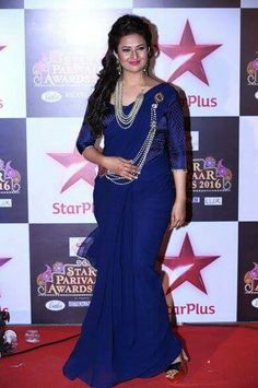 Divyanka at star parivaar award 2016