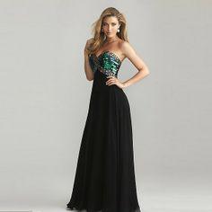 Schwarzes Kleid mit farbigen Pailletten Büste