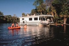 Holly Bluff Marina, 2280 Hontoon Rd.,  DeLand, FL 32720  Phone: 386-822-9992   Full service marina on the St. Johns River offering houseboat and pontoon boat rentals, boat ramp and storage, service facility, gift shop, fuel and boat sales. http://visitwestvolusia.com/whattodo.cfm/mode/details/id/11219/holly-bluff-marina