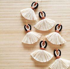 Macrame Jewelry, Boho Jewelry, Jewelry Crafts, Handmade Jewelry, Lace Earrings, Fringe Earrings, Chandelier Earrings, Hairpin Lace Crochet, Crochet Edgings