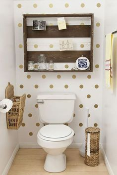 Olá pessoal!!!!   Seguindo o post anterior sobre decorar morando de aluguel, as inspirações de hoje são decorações baratas para o ban...